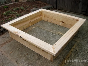The interior space is 16 cubic feet and can accommodate 16 squares of a square foot garden.